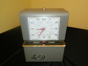 Lathem 4021 Heavy Duty Automatic Print Time Clock No Key Needs Ribbon Please Rea
