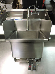 Commercial Stainless Steel Knee Operated Hand Sink W Splash Guard