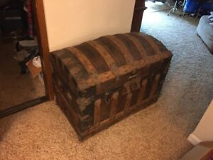 Antique Steamer Victorian Age Unrestored Trunk Chest