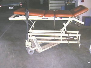 Chattanooga Adapta Aet 4 Traction Table Chiropractic massage treatment Bed