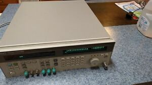 Hewlett Packard microwave Synthesized Signal Generator 10mhz 20ghz
