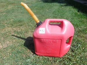 Blitz 5 Gallon Plastic Vented Gas Can Nice Condition 5