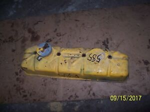 Case International 584 585 Tractor Diesel Engine Valve Cover