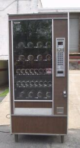 Automatic Products Snack candy Vending Machine Great Price