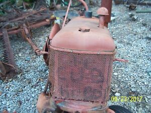 International farmall Cub Tractor Hood Side Panels grille And Tank Assm