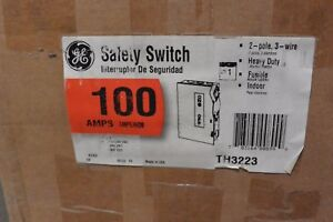 Ge Th3223 2p 240v 100 Amp Fusible Nema 1 Disconnect Switch New In Box
