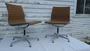 Herman Miller Eames Aluminum Group Vintage Chair Clean Original Set Of 2