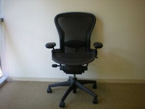 Herman Miller Aeron Chair Size C Large Fully Adjustable Graphite Frame