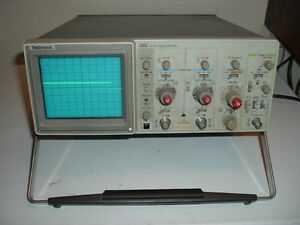 Tektronix 2213 Oscilloscope 60mhz 2 Channel