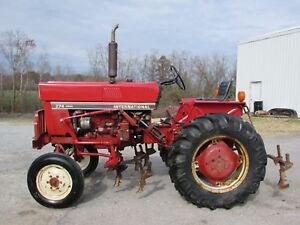 1982 274 International Tractor W Cultivators