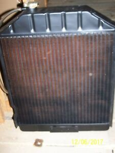 New Ford Tractor Radiator 5110 5610 6410 6610 6810 7000 7100 7200 7410