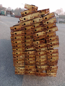 Republic Style Pallet Rack Cross Beams 108 Lot Of 63