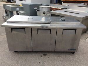72 True Tssu 72 30m b st Mega Top Solid Door Sandwich salad Unit