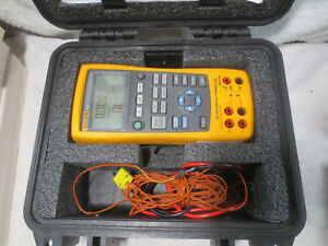 Fluke 724 Temperature Calibrator Excellent Condition Impact Case