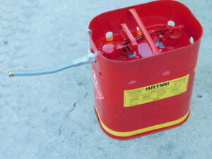 Safe t way Jerrican Fuel Container W Quick Release 5 Gallon Spout New