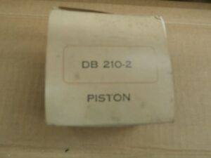 Wisconsin Motors Piston Pn Db210 2 New Old Stock For Model S10d
