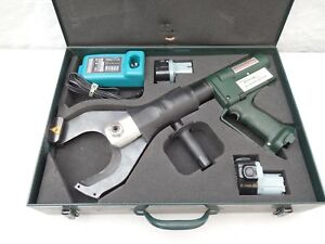 Greenlee Gator Esc105 Hydraulic Rechargeable Battery Powered Cable Cutter