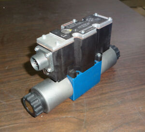 New Rexroth R900932003 Proportional Directional Valve 4wrae6w07 23 g24n9k31 a1v