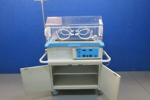 Airshield Vickers Isolette C100 Series Infant Incubator Powers Up