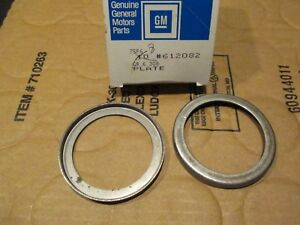 2 Nos Gm 4wd Front Axle Spring Plate 68 80 Truck Blazer Suburban 612082