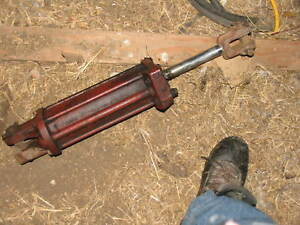 Ih International Farmall Hydraulic Cylinder