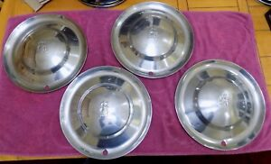 1953 53 Plymouth 15 Hubcap