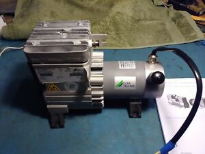 Durr technik D 040 24v Air Compressor Barely Used With Manual