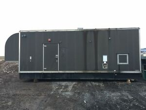 1000 Kw Cummins Onan Generator Phase 3 Enclosed Only 500 Hours