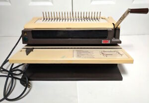 Gbc Electric Plastic Comb Binding Machine Mod 460km 1 Boxes Red Black Combs
