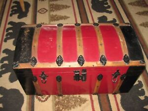 Antique Dome Top Camel Back Trunk Ladies Child S 28 X 14 X 14 Tin Covered