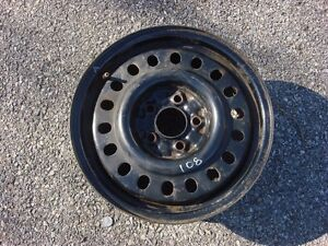 One Ford Steel 15 Wheel 15 Inch Oem 15x6 5x108mm 5x108 Thunderbird Volvo