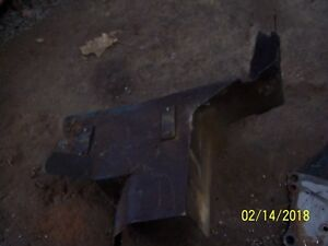 Ford 2000 3000 4000 Tractor Engine Manifold Heat Shield