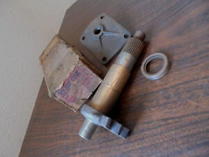 1939 1940 Chevrolet Gmc Cab Over Engine Nos Pitman Shaft W bushings End Cover