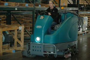 Tennant T16 Ride On Floor Scrubber Many Options 206 Hrs Ec h20