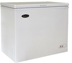 Atosa Mwf9007 Commercial Solid Top Chest Freezer 7 Cu ft