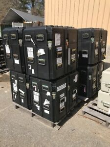 Two man Lift Large Shipping Case W Foam lot Of 8 84 Lbs Black Top Opening