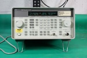 Hp agilent keysight 8647a Signal Generator tested Good