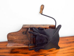Antique Primitive Kitchen Wall Mounted Tool Country House Decoration