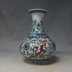 China Old Porcelain Qing Qianlong Blue White Doucai Dragon Yuhu Chun Vase