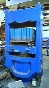 Hydraulic Press 704 Ton Rubber Molding Electric Heat Platen Post Press