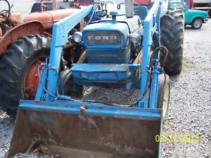 Ford 4000 Gas Tractor With Loader Select o speed Transmission
