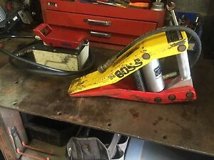 The Boss Jaws Of Life Air Over Hydraulic Rescue Spreader Holmatro Fitting Press