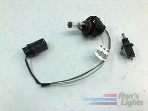 2005 2007 Ford Focus Halogen Headlight Misc Parts Oem Pre owned