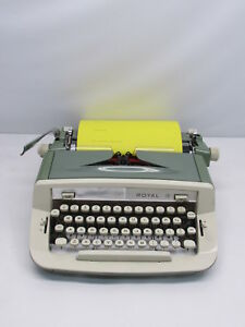 Royal Sabre Green Portable Manual Typewriter No Case