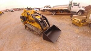 2012 Vermeer S800tx Mini Skid Steer Loader Trencher Auger Forks Bucket Used