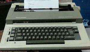 Smith Corona Sterling Electric Typewriter 5l Electronic Portable With Case