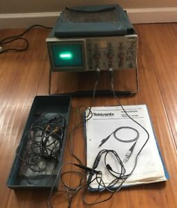 Tektronix 2213 Analog Oscilloscope 4 Probes Front Cover Power Cord Instr
