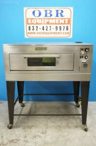 Toastmaster Electric Pizza Deck Oven Model 19p21 a