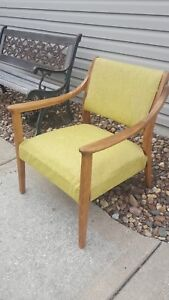 Vintage Antique Mid Century Danish Style Walnut Wood Lounge Patio Arm Chair