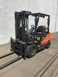 2012 Doosan Pneumatic Propane Forklift Model Reconditioned With Warranty